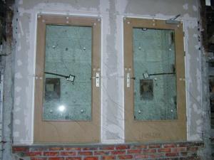 Fot. 6. Widok drzwi drewnianych od strony nienagrzewanej, przed badaniem